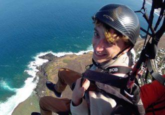 Mats is paragliding ! Mats en Parapente à Saint-Leu, La Réunion