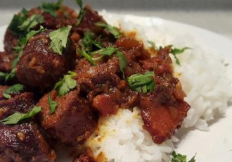 Recette traditionnelle de la Réunion, traditional recipe from Reunion Island. Rougail saucisses